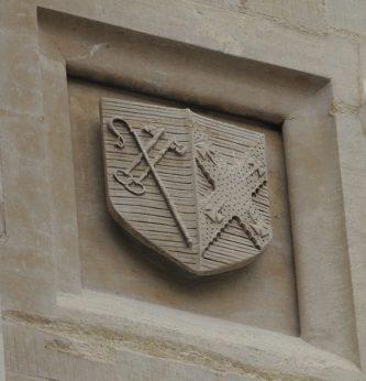 Armorial shield, st 19 (garden quad, west side)